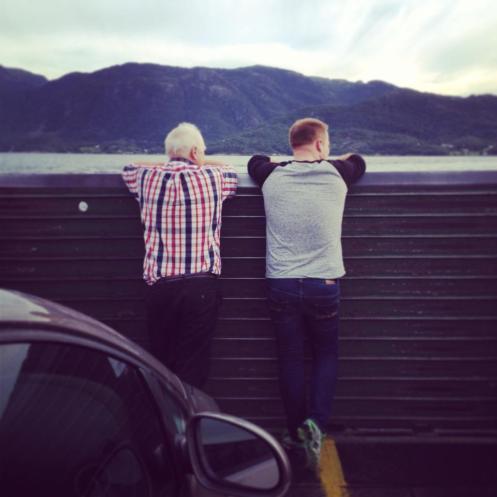 Oddvar og far på båt